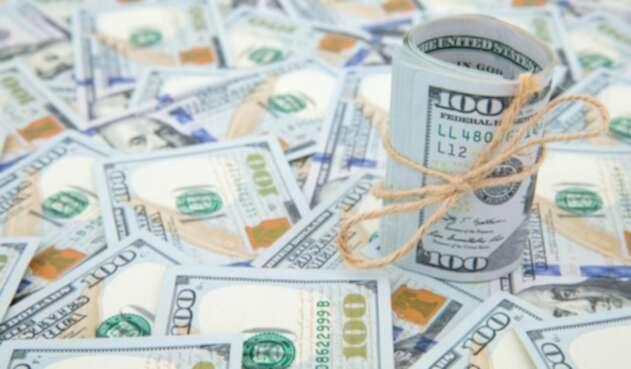 Dólar superó la barrera de los $3.500