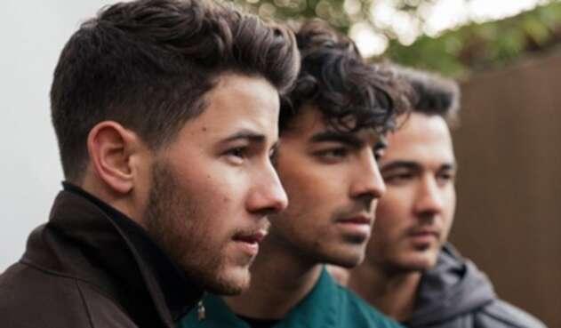 La banda estrenó el video musical de 'Only Human'.