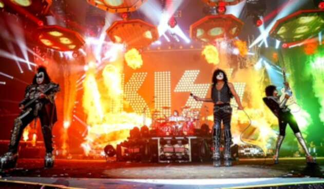 La banda de rock Kiss, en vivo