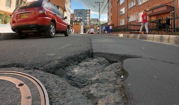 Fuertes trancones produce este agujero víal según vecinos de este barrio