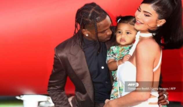 Hija de Kylie Jenner hace su debut en una alfombra roja