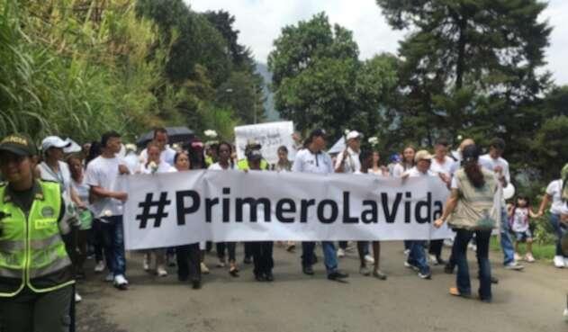 La Comuna 8 (Villahermosa) de Medellín piden que se haga justicia por el crimen de los menores.