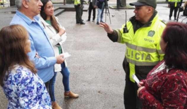 Policía en Teusaquillo atiende a la ciudadanía