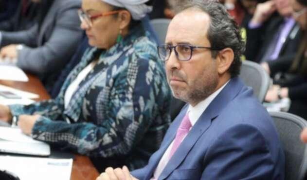 El superintendente de Salud, Fabio Aristizábal