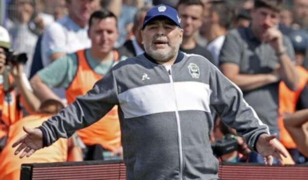 Diego Maradona, Gimnasia y Esgrima