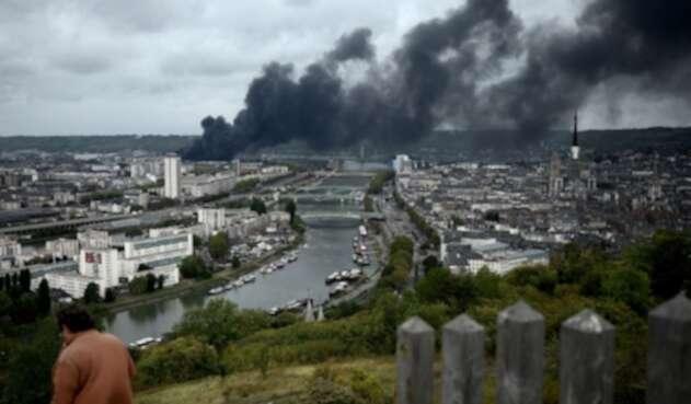 Incendio planta química en Francia