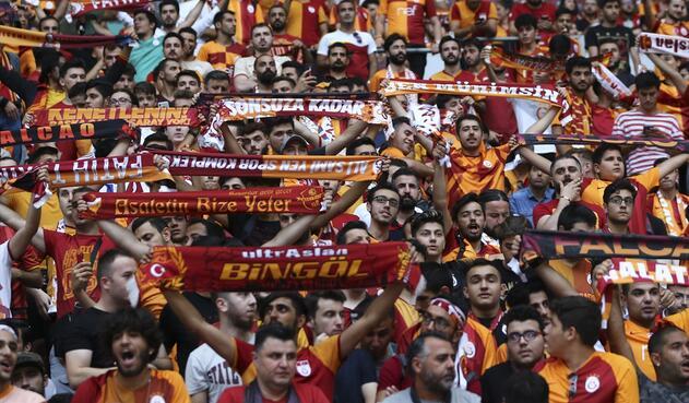 Presentación de Falcao en el Galatasaray