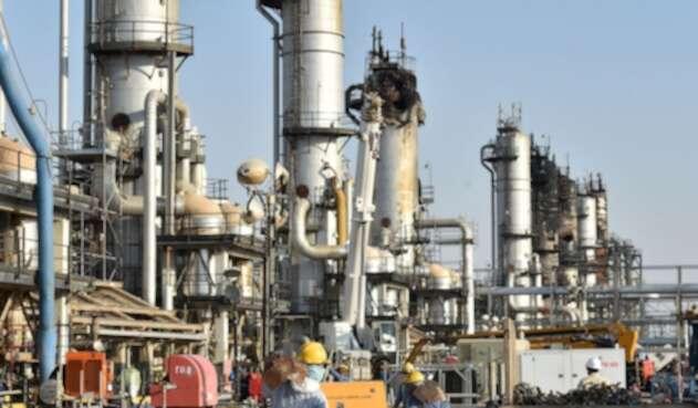 Ataque a refinería Saudí