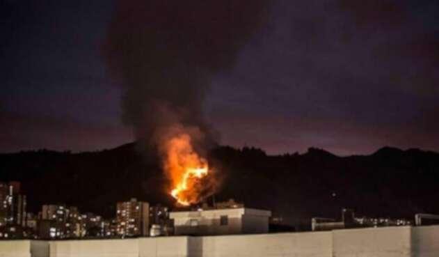 Incendio en el cerro de las Tres Cruces