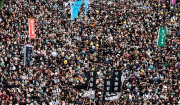 Estudiantes en Hong Kong volcados en las calles para apoyar a los manifestantes