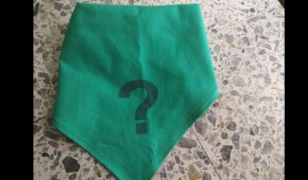 Pañoleta usada por mujeres que, desde el exilio, buscan a sus familiares desaparecidos.