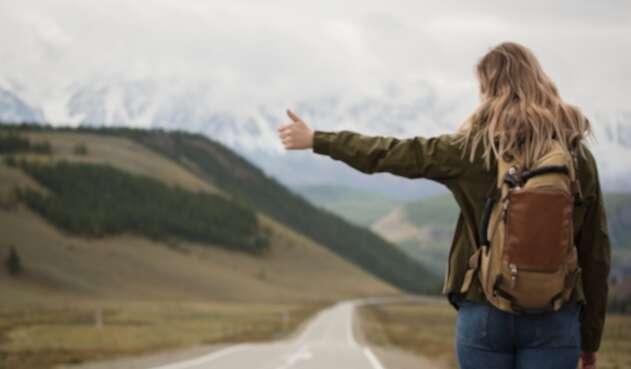 Una joven mochilera - Viajes - Turismo