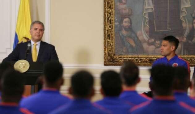 El presidente Iván Duque con la Selección Colombia, el 4 de junio de 2019 en la Casa de Nariño, en Bogotá