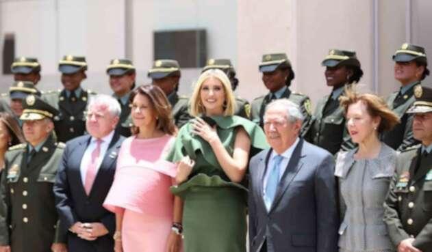 Ivanka Trump en homenaje a cadetes muertos en la Escuela General Santander