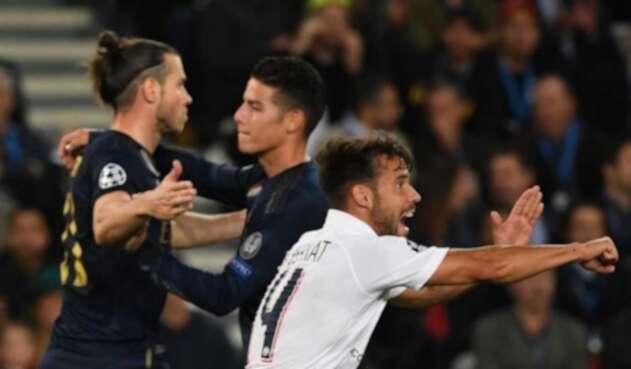 Bale y James Rodríguez jugando con el Real Madrid ante el PSG