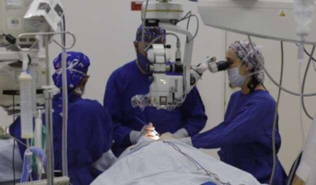 Cirugía con lentes intraoculares