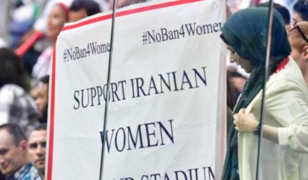 Mujeres estadios Irán