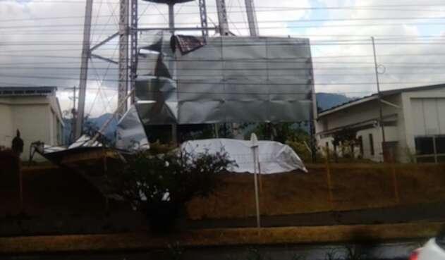 Organismos de emergencia atendieron varias emergencias entre caída de árboles, pérdidas de cubiertas, entre otras