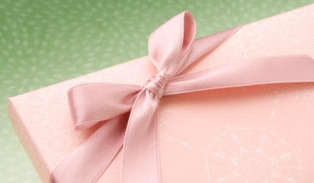 Foto de referencia sobre un regalo