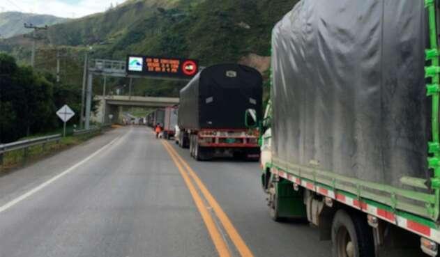 La vía de que de Bogotá conduce a Villavicencio