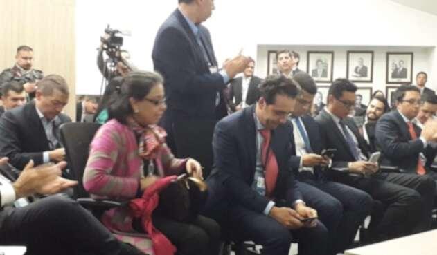 Representantes legales de Movistar, ganadores del contrato del Sena.