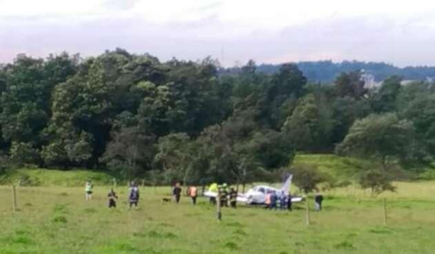 Avioneta aterrizó de emergencia en el norte de Bogotá