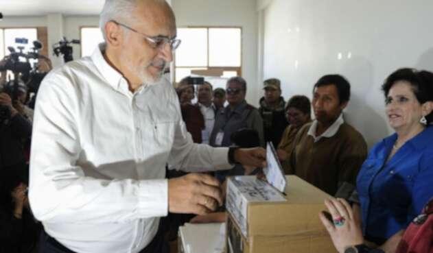 Carlos Mesa, candidato presidencial en Bolivia.