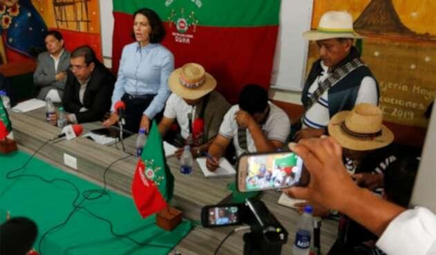 Nancy Patricia Gutiérrez, ministra del Interior, reunida con indígenas en Cauca