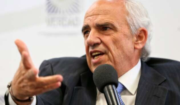 Ernesto Samper, expresidente de la República, en la Comisión de la Verdad, en Bogotá