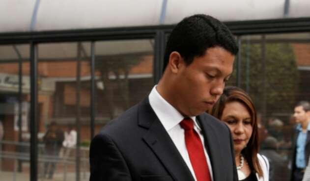 Jorge Colmenares y Oneida Escobar, hermano y madre de Luis Andrés Colmenares