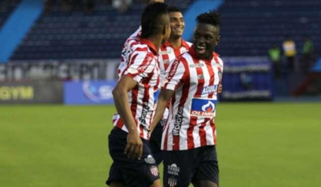 Junior celebra gol