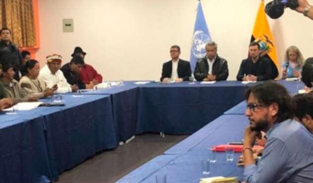 El gobierno de Lenín Moreno y los indígenas debatiendo en Quito
