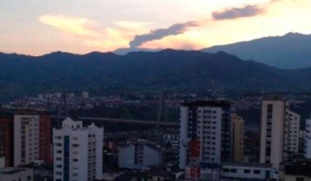 El Volcán Nevado del Ruiz y la ciudad de Pereira