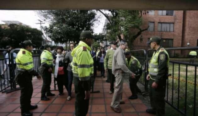 Más de 1.200 policías estarán desplegados en los diferentes puntos de votación en Bogotá.