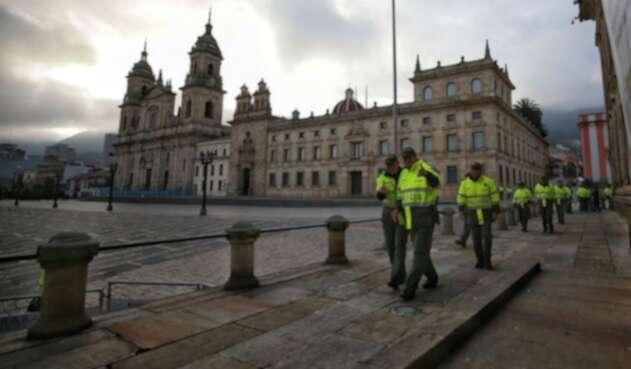 Policías garantizan seguridad en elecciones