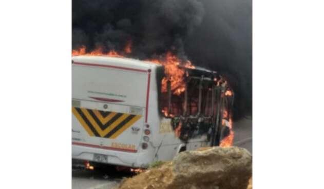 Ruta escolar se incendió en Bucaramanga