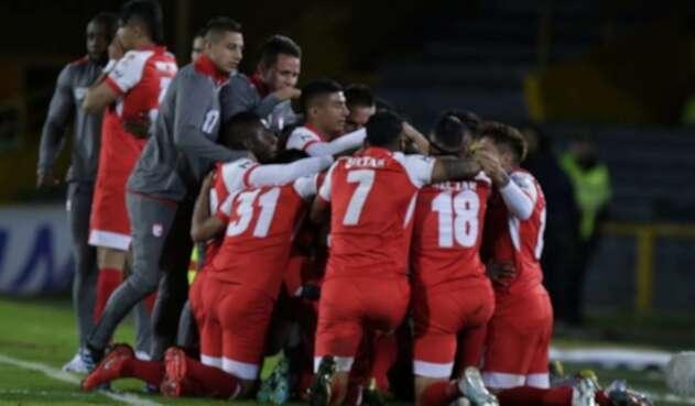 Independiente Santa Fe, equipo celebrando un gol