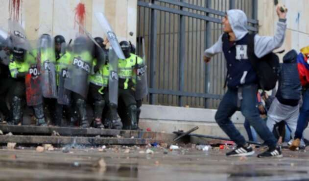 Disturbios y actos vandálicos en Bogotá, en medio de marchas.