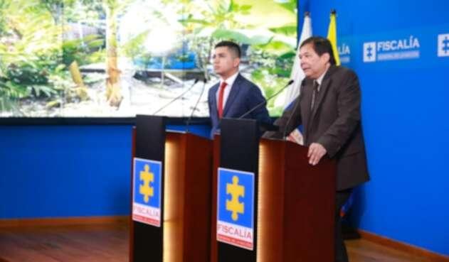 Minvivienda, Jonathan Malagón y el vicefiscal Jaime Camacho, en rueda de prensa.