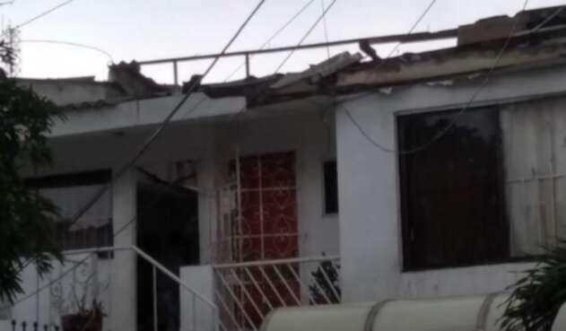 El vendaval afectó el barrio Los Nogales en el norte de Barranquilla.