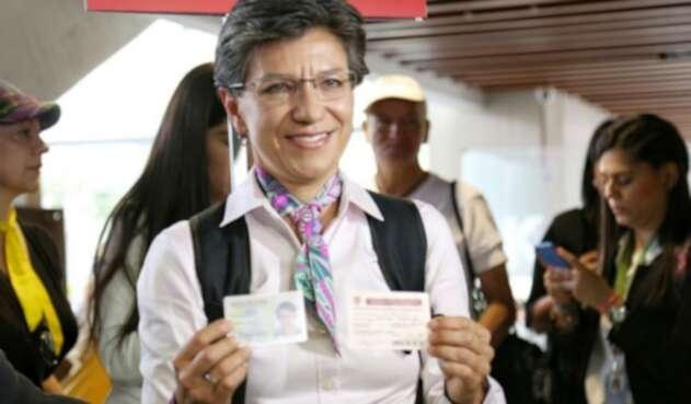 Claudia López, ejerció su derecho al voto