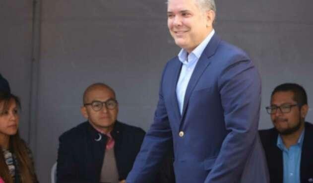 Iván Duque votando en elecciones 2019