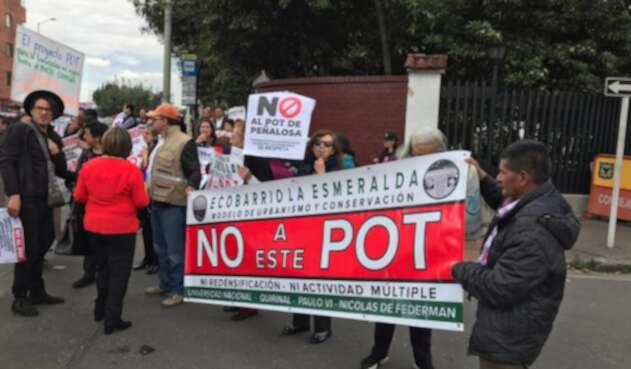 Plantón contra expedición del POT por decreto.