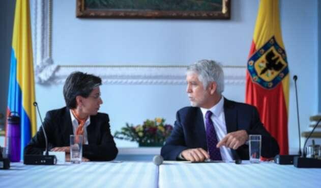 Claudia López y Enrique Peñalosa iniciaron proceso de empalme en la Alcaldía de Bogotá.