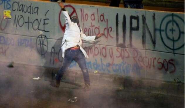 Paredes y edificaciones pintadas durante manifestaciones en Bogotá.
