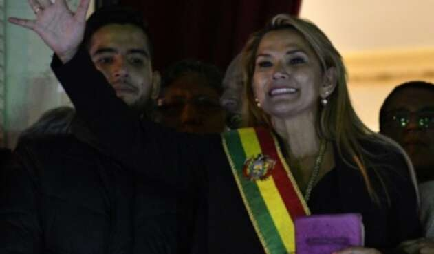 presidenta interina de bolivia Jeanine Añez
