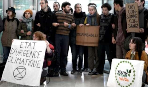 Protestas contra del black friday en Francia