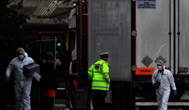 Camión hallado con 39 cuerpos de migrantes muertos en Inglaterra