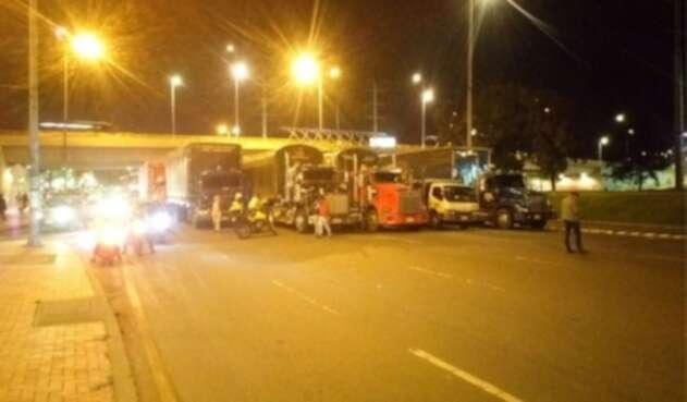 camioneros en la autopista Norte en Bogotá
