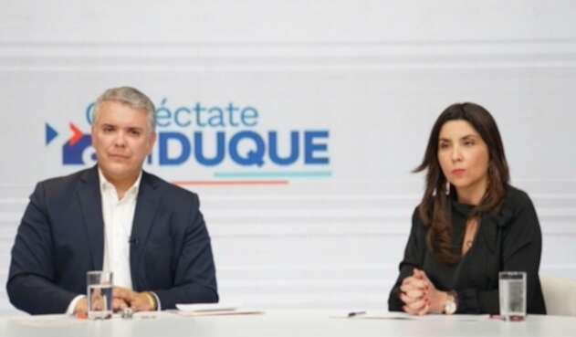 Presidente Iván Duque y la ministra de Educación, María Victoria Angulo.